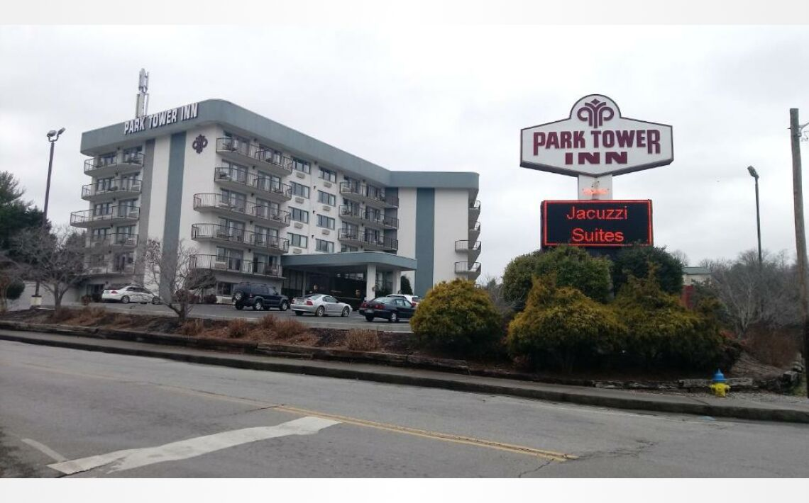 Photos of Park Tower Inn. 201 Sharon Drive, Pigeon Forge, TN 37863-3218, United States of America